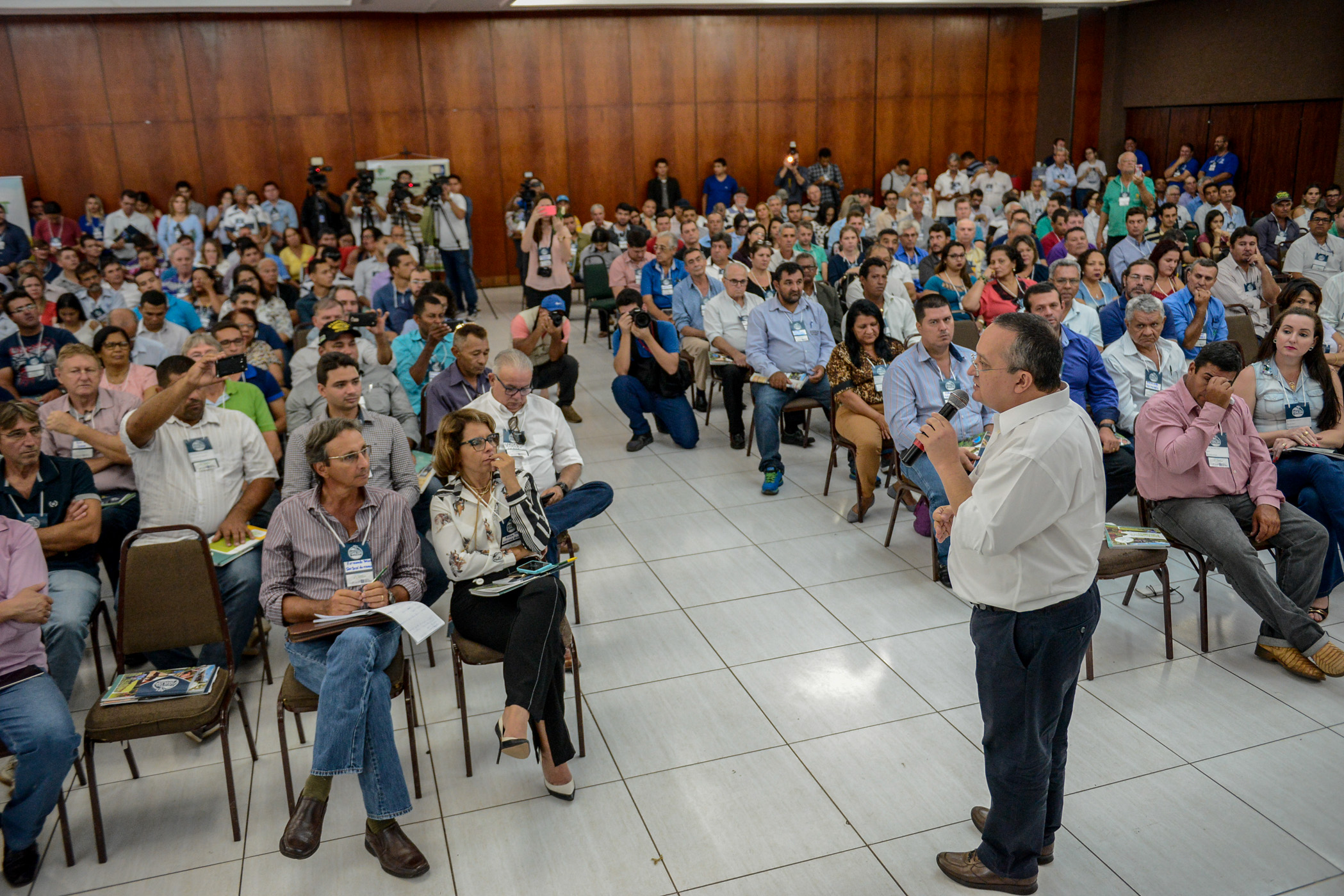 Governador Pedro Taques participa do Encontro dos gestores da agricultura familiar